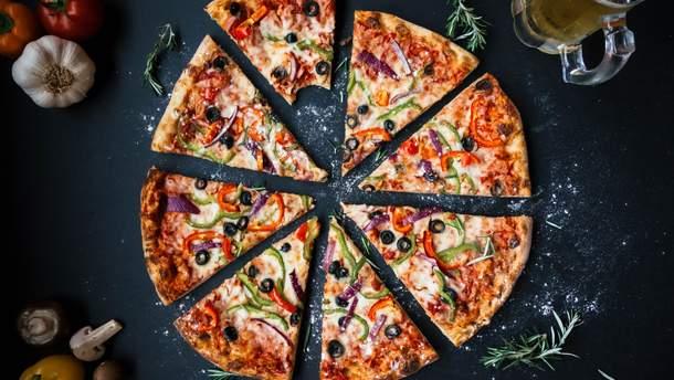 Японці встановили автомат, який сам готує піцу