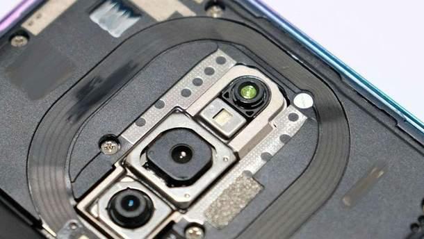OPPO теж випустить смартфон з потрійною камерою