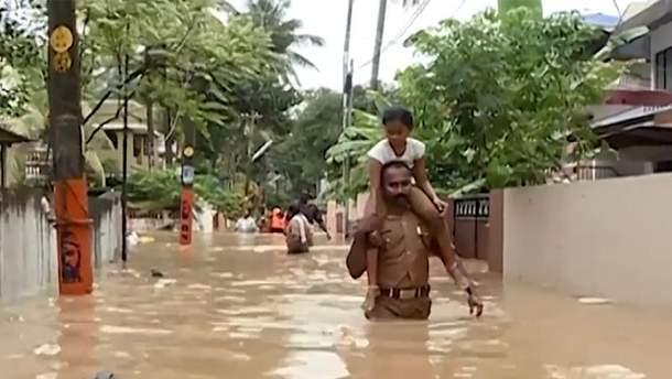 В Індії тривають найпотужніші за останні 100 років повені