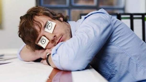 Чим загрожує хронічне недосипання