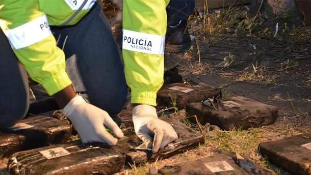 При обследовании автобуса полиция обнаружила партию наркотиков