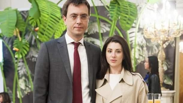 У Криму та в Росії продається дизайнерський одяг дружини міністра інфраструктури Омеляна (фотофакт)