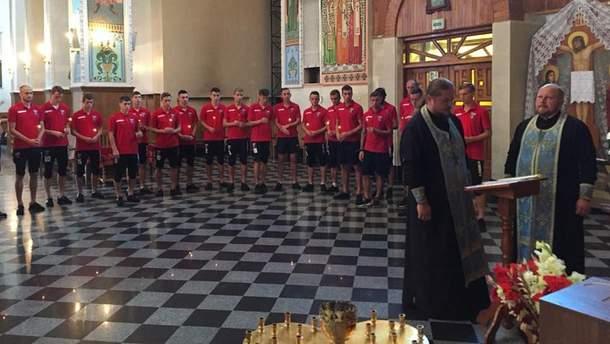 """Игроки """"Вереса"""" получили благословение в церкви"""