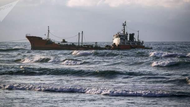 В Гвинейском заливе исчез танкер с 17 грузинскими моряками