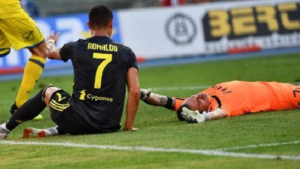 Роналду зламав ніс воротарю