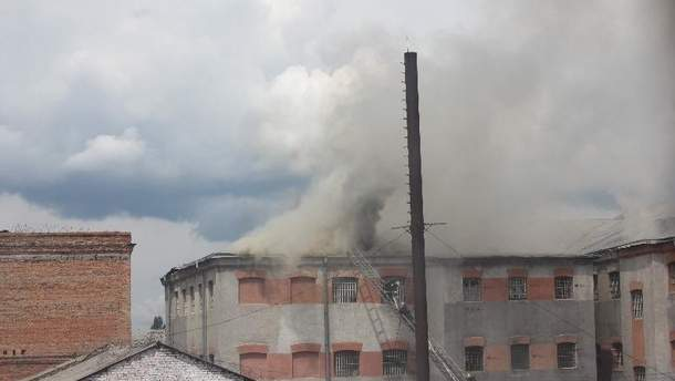 У Вінниці горить тюрма