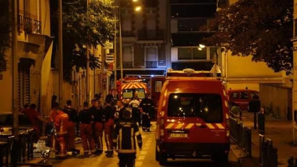 Пожар в трех этажном доме в пригороде Парижа