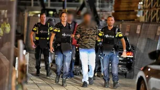 Правоохоронці затримали кількох осіб на вокзалі