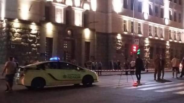 Поліція з'ясовує особу нападника, який влаштував стрілянину в Харкові