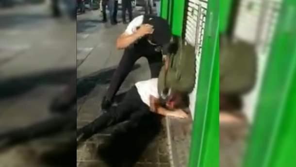"""В аэропорту """"Домодедово"""" полицейские избили нетрезвую пару"""