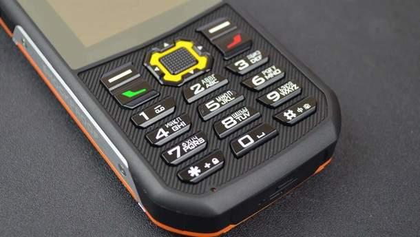 Кнопкові телефони стають популярні