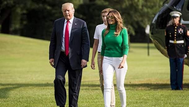 Дональд и Мелания Трамп с сыном Бэрроном