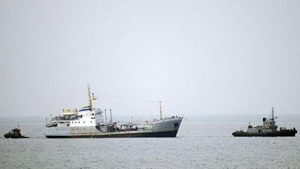 Затримання кораблів в Азовському морі