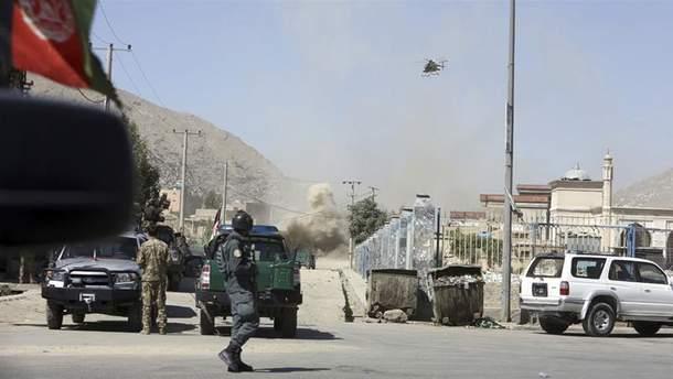 Палац президента Афганістану обстріляли ракетами