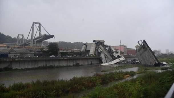 Момент падіння мосту в Генуї показали на відео