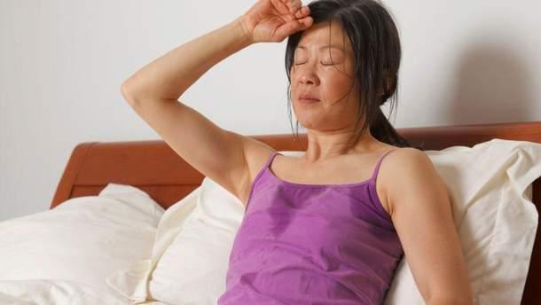 почему ночью сильно потеет голова у женщин причины