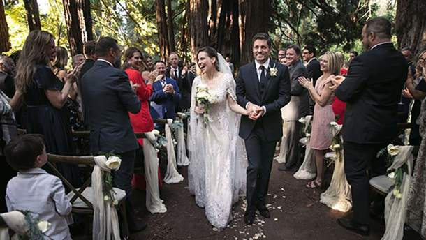 Хіларі Суонк вийшла заміж