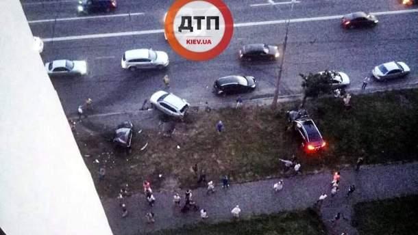 ДТП на Дніпровській набережній у Києві