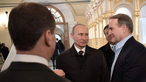 Путин (слева) и Медведчук (справа)