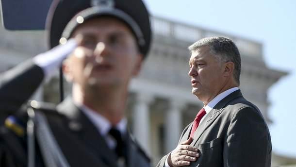 Петр Порошенко на параде ко Дню Независимости Украины
