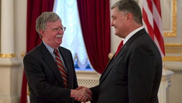 Советник Трампа Джон Болтон приехал в Украину