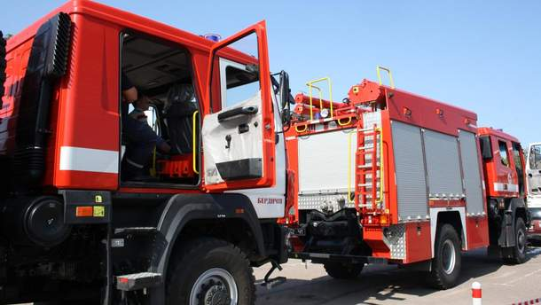 В Житомире установили национальный рекорд с тяги пожарных автомобилей