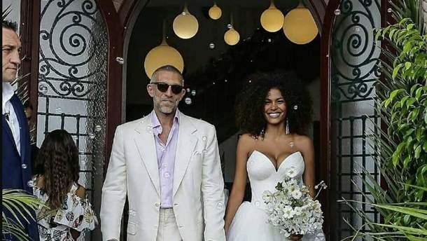 51-летний Венсан Кассель женился на вдвое младше модели