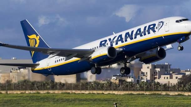 Ryanair обмежить провезення ручної поклажі