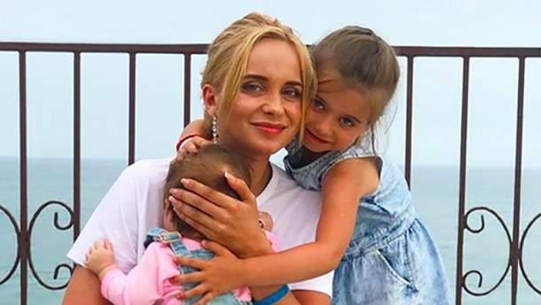 Лилия Ребрик с дочерьми
