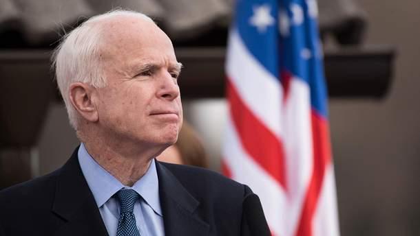 Джон Маккейн не будет лечить рак мозга