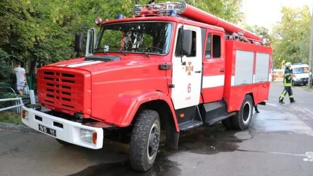В Киеве произошел пожар в общежитии НЕУ имени Гетьмана: повреждены вещи студентов и комната