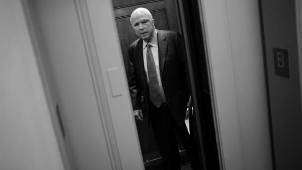 Стало известно, где похоронят Джона Маккейна