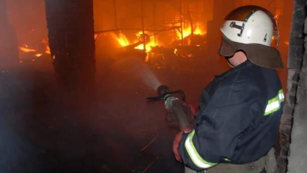 Во Львове ночью горел склад