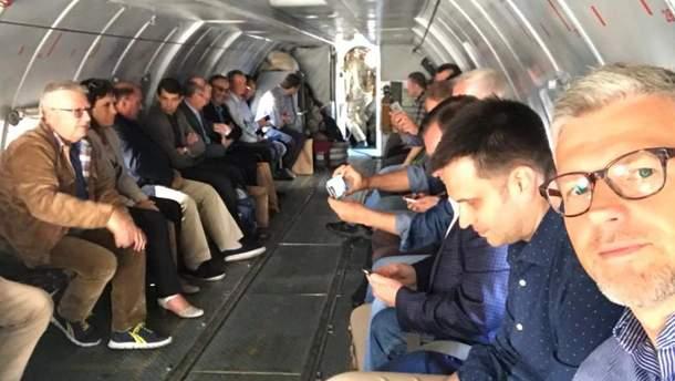 Українські дипломати вирушили на Донбас