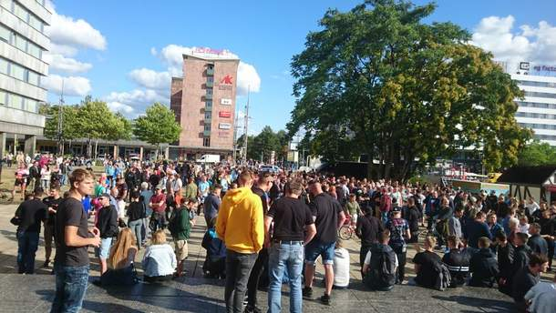 Вгерманском городе Хемниц сегодня ожидаются массовые акции левых иправых радикалов