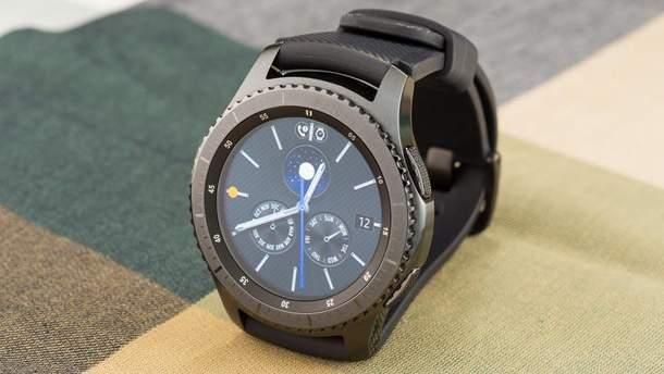 Розумний годинник Samsung Gear S3 рекордно подешевшав - Техно 24 2ba8f46da235c