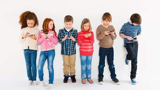 Как подготовить ребенка к первому смартфону
