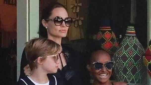 УАнджелины Джоли вновь анорексия