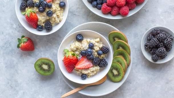 Чи можна снідати вівсянкою щодня