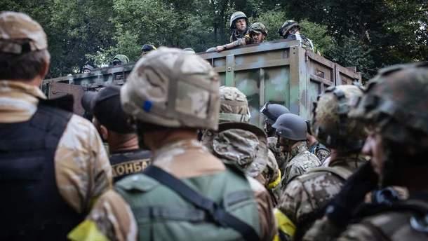 Украинские военные могли удерживать Иловайск в 2014-м не одну неделю, – Муженко
