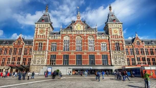 Нападение произошло на Центральном вокзале Амстердама