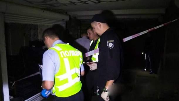 Убийство мужчины в подземном переходе в Киеве
