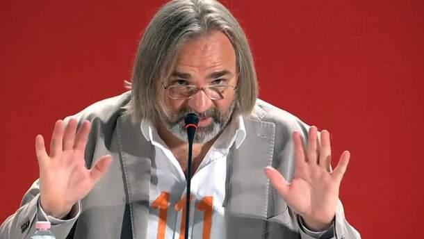 "Косаковский надел рубашку с оранжевыми цифрами ""111"""