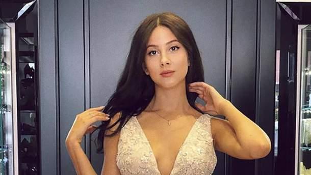 Анастасия Кожевникова в свадебном платье