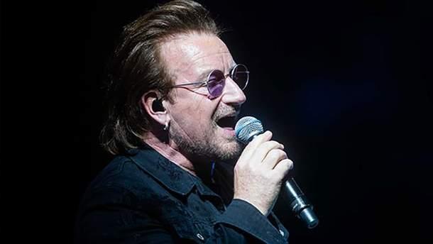 Солист группы U2 Боно потерял голос во время концерта