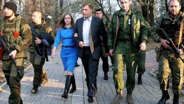 Захарченко рядом со второй женой Натальей Гладковой