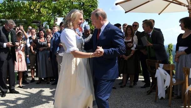 """""""Свадебный визит"""" Путина повредил репутации Австрии в Украине"""
