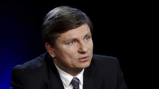 "Голова фракції ""БПП"" у парламенті Артур Герасимов"