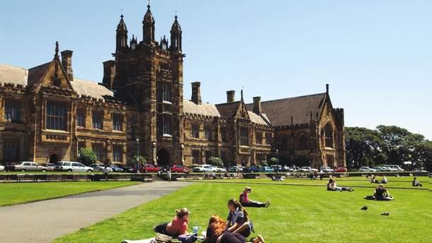 Британські університети закликають спростити візові правила для студентів з інших країн
