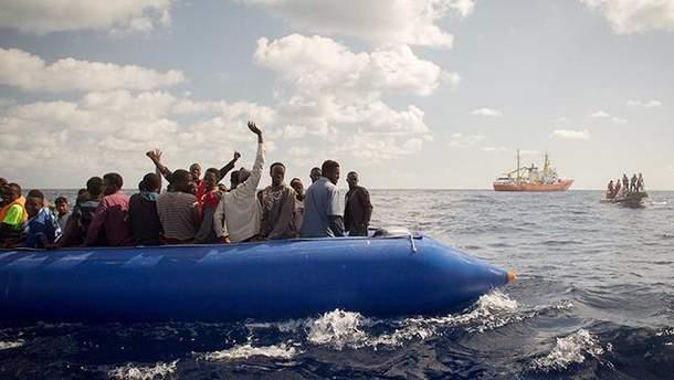 Возле берегов Испании спасли более 600 африканских беженцев